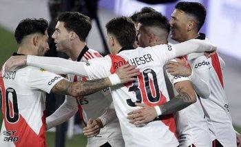 River volvió a ganar: el penal que abrió el partido contra Velez   Fútbol argentino