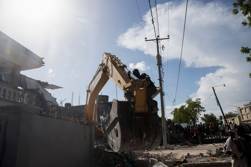 Médicos y trabajadores humanitarios se apuran a llegar a zona del sismo en Haití  | Haiti