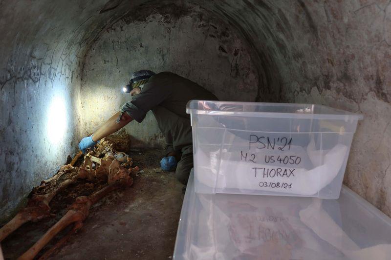 Esqueleto en buen estado arroja luces sobre la cultura en la antigua Pompeya | Arqueología