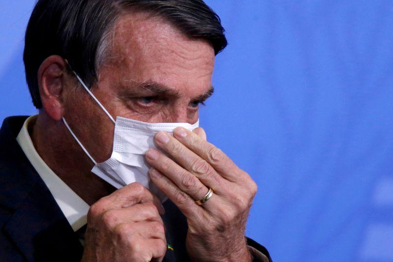 Bolsonaro bloquea a críticos y periodistas en redes sociales   Brasil