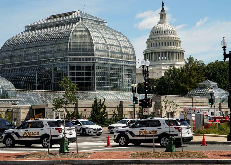 Alarma por un hombre con un posible paquete bomba en Washington   Terrorismo