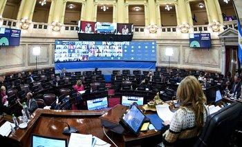 El Senado debate declarar internet y telefonía móvil como servicios públicos | Tarifas