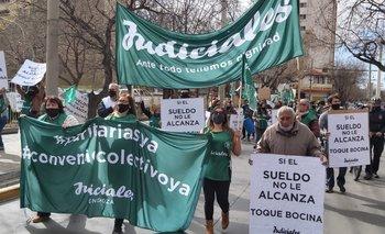 Judiciales y personal de Salud presionan al gobierno de Mendoza por subas salariales | Paritarias 2021