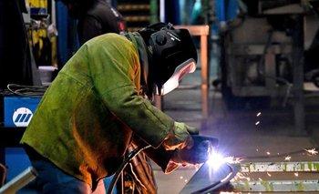 El oficialismo presenta proyecto para subir salarios por decreto   Elecciones 2021