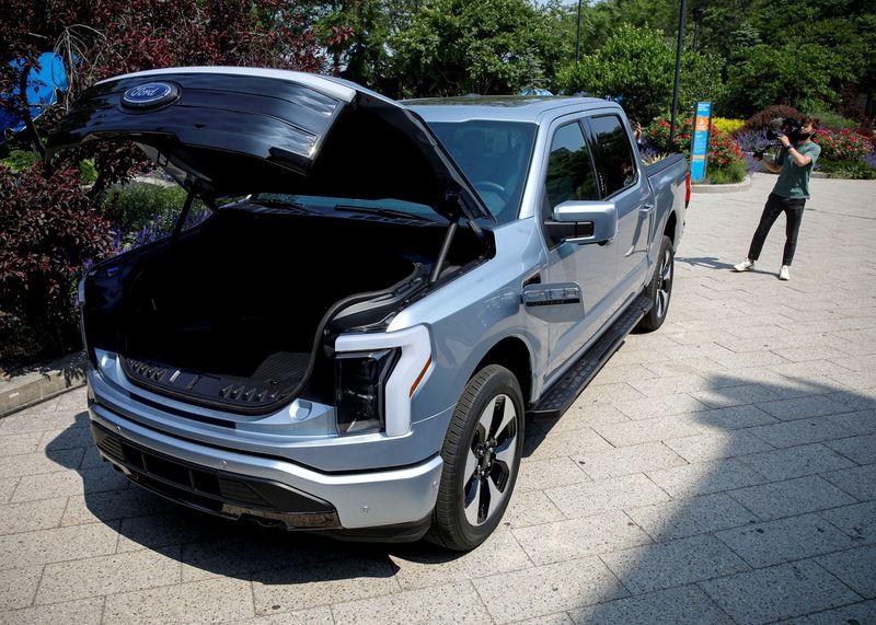 Ford duplica meta de producción de camioneta eléctrica  | Venta de autos