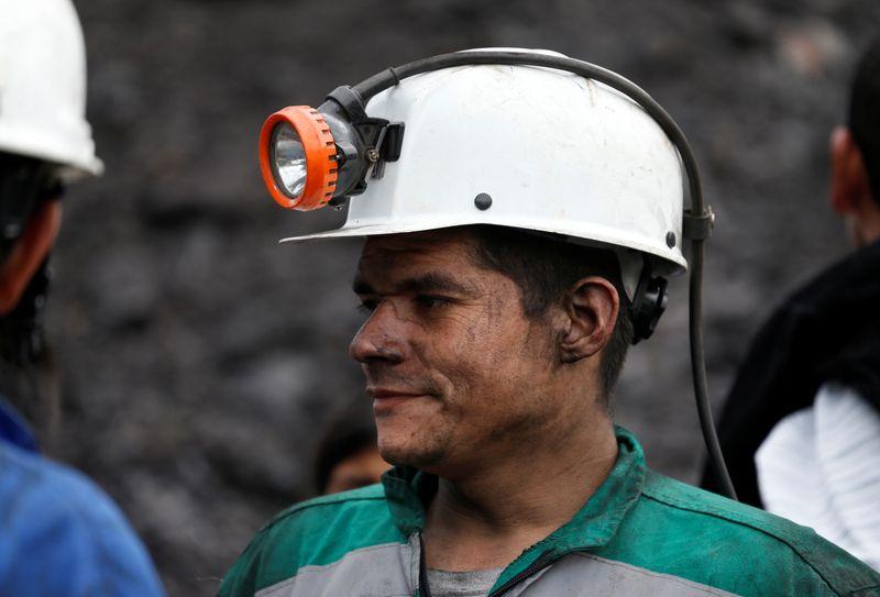 Doce muertos deja explosión en mina de carbón en el centro de Colombia   Minería