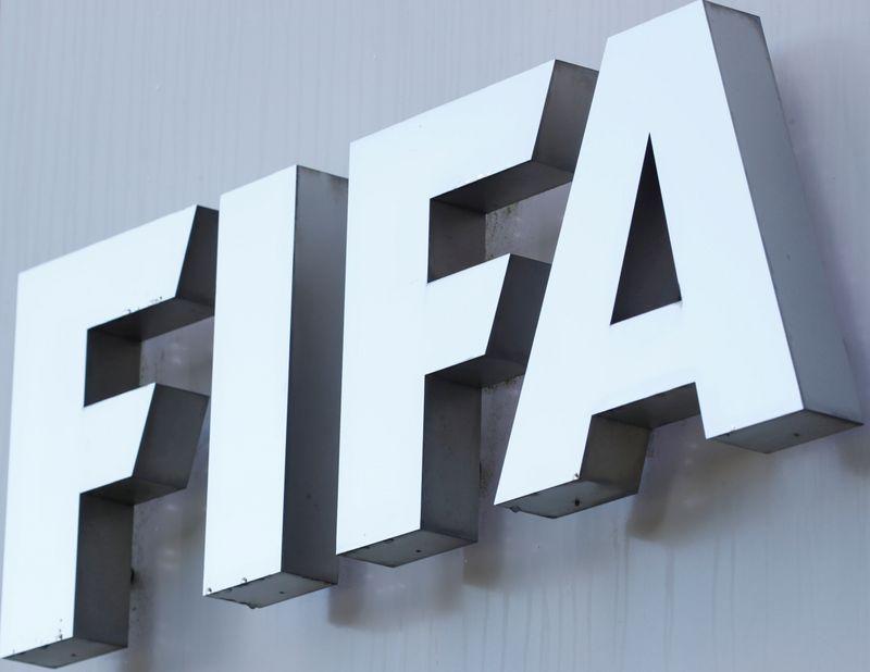 La FIFA negocia la evacuación de futbolistas y otros atletas de Afganistán   Afganistán