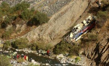 Perú: al menos 29 muertos por un accidente de micro en Huánuco | Perú