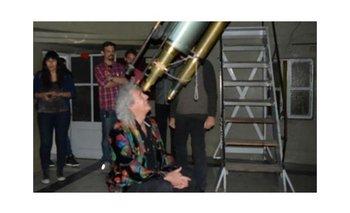 Brian May vio la Luna Roja en el observatorio de Córdoba | Eclipse lunar