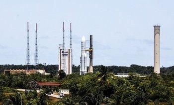 ARSAT-2: Argentina pondrá hoy su segundo satélite en órbita   Arsat 2
