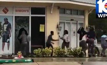 VIDEO: Hubo saqueos a comercios en medio del huracán Irma en Miami | Huracán irma