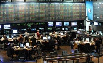 Tras los anuncios, la Bolsa se hunde más de 2% | Bolsa de comercio