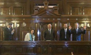 Renunció Lorenzetti a la presidencia de la Corte Suprema y lo reemplazará un ex abogado de Clarín   Elisa carrió