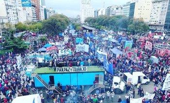 Ollas populares en el centro porteño en rechazo a las políticas económicas del Gobierno   Ctep
