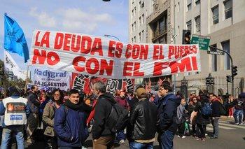 Movimientos sociales pasarán la noche frente a Desarrollo Social | Crisis económica