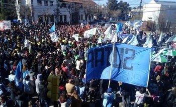 Docentes marchan a la Casa de Chubut y al Ministerio de Educación | Chubut