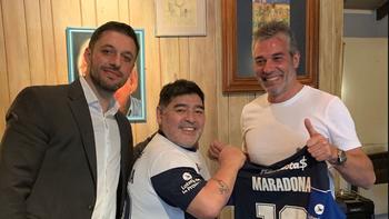 Confirmado: Maradona es el nuevo entrenador de Gimnasia    Diego armando maradona