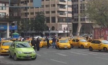 Córdoba: remiseros y taxistas protestaron contra Uber | Uber