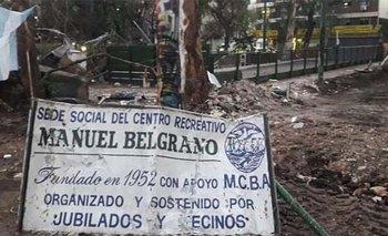 Jubilados y vecinos le exigen a Larreta que restituya el centro social que demolió | Jubilados