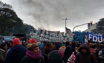 Los manifestantes criticaron el cierre de la línea C para evitar el acampe | Ciudad