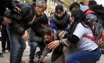 Los videos de la salvaje represión en la 9 de Julio | Emergencia alimentaria