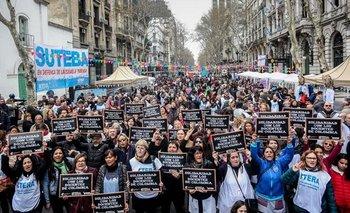En el Día del Maestro, masiva movilización de docentes para reclamar la reapertura de paritarias | Educación