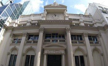Por caída de reservas y depósitos,  el Banco Central ya presenta un patrimonio negativo  | Crisis económica