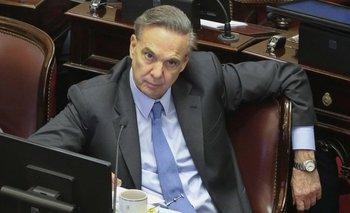 Triste y solitario final: Pichetto formalizó su salida del PJ en el Senado | Congreso