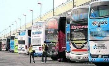 Micros de larga distancia reducen frecuencias por la crisis del sector  | Transporte