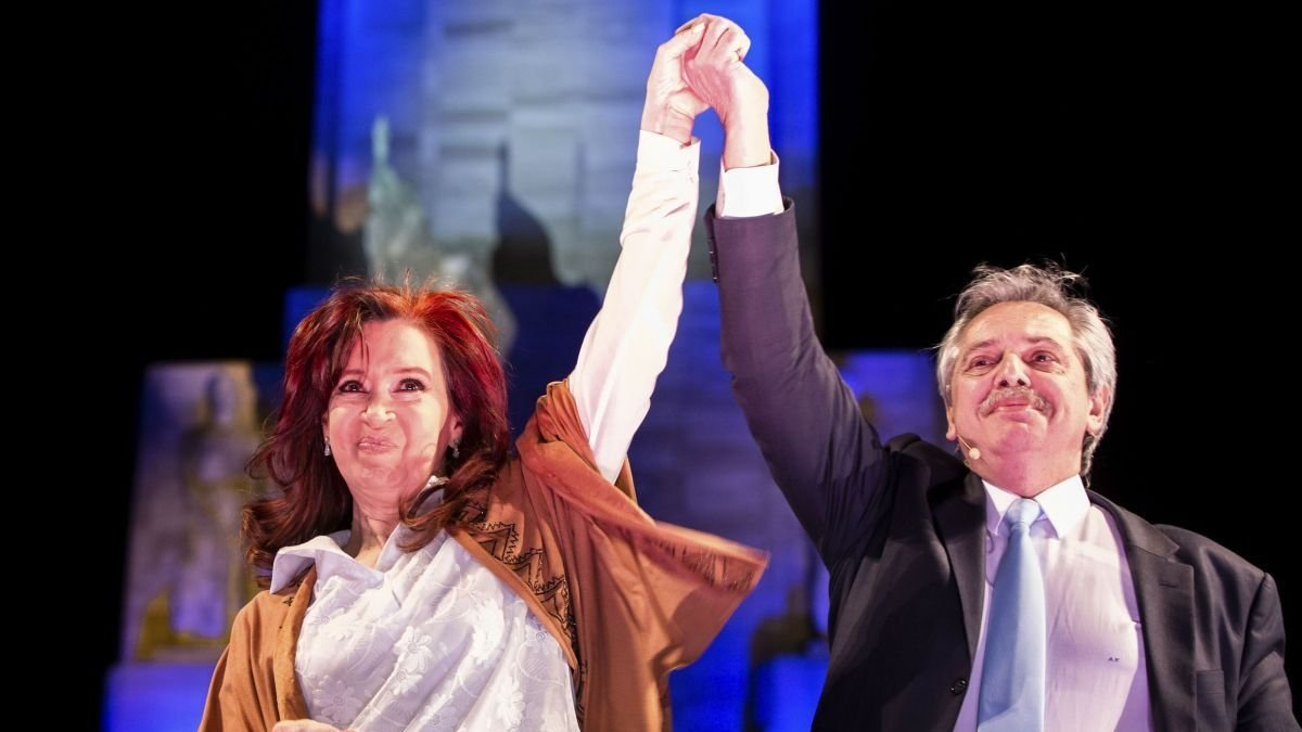 Encuestas Argentina 2019: Alberto Fernández está cerca del 52% de los votos y le saca casi 19 puntos a Macri