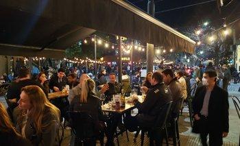 Las fotos de Palermo repleto de gente tras la reapertura de bares   Coronavirus en argentina