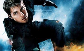 Increíble video de Tom Cruise: Se tiró en moto desde una montaña | Cine
