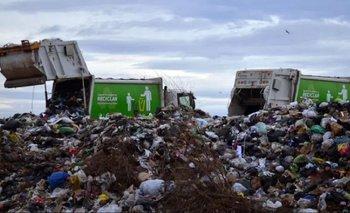 Un niño de 13 años fue pisado por un camión en un basurero | La situación social