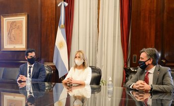 Fabiola Yáñez firmó un convenio con la Cruz Roja   Coronavirus en argentina
