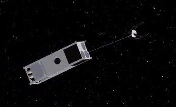 La NASA fabrica una nave que limpia basura espacial | Espacio exterior