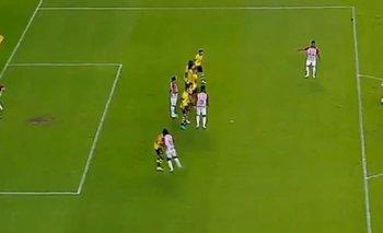 VIDEO: Golazo de tiro libre del arquero de Junior en la Libertadores | Fútbol
