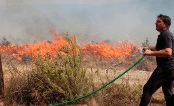 Impactantes imágenes de Damián De Santo luchando contra los incendios | Córdoba