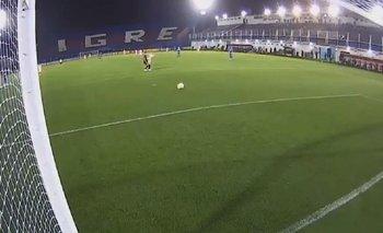 VIDEO: El insólito blooper del arquero de Tigre en la Copa Libertadores | Fútbol