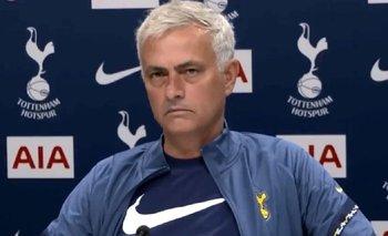 VIDEO: El insólito y conmovedor momento entre Mourinho y un periodista | Fútbol