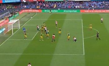 VIDEO: El espectacular gol de chilena de un defensor argentino en Holanda | Fútbol
