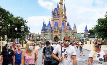 Disney echará a casi 30 mil empleados por la pandemia   Crisis económica