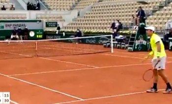 Roland Garros: un avión rompió la barrera del sonido y asustó a todos en París   Tenis