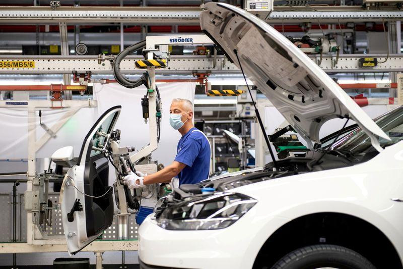 El crecimiento de las fábricas de la eurozona euro es fuerte   Mercados