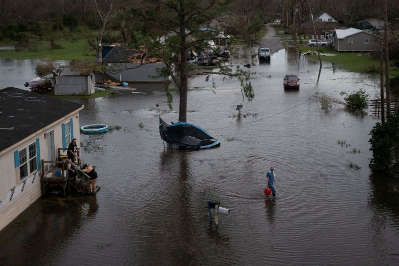Biden alertó por las consecuencias climáticas tras el paso de Ida   Cambio climático