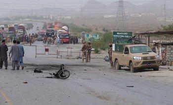 Atentado en Pakistán: un kamikaze se hizo estallar en moto   Internacionales