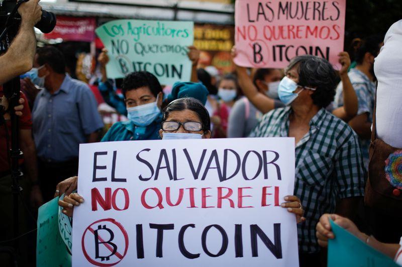 Protestas en El Salvador contra adopción del bitcóin | Criptomonedas