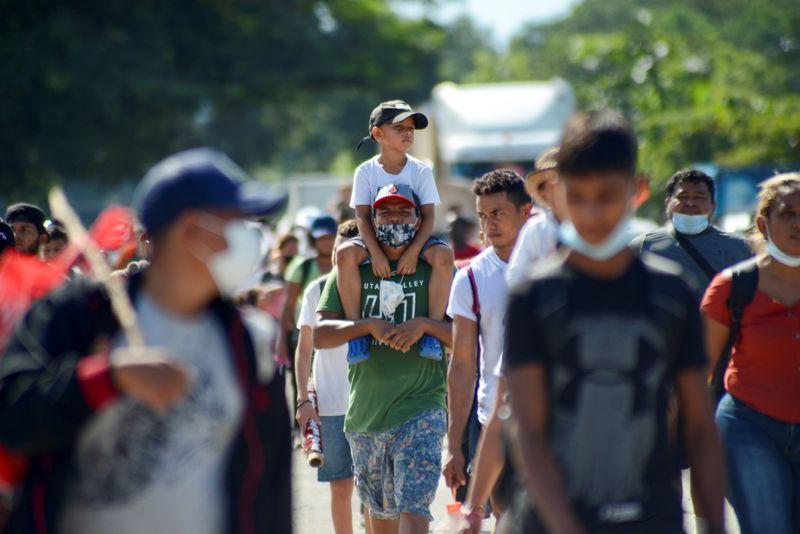 México vacuna contra COVID-19 a migrantes hondureños  | Coronavirus