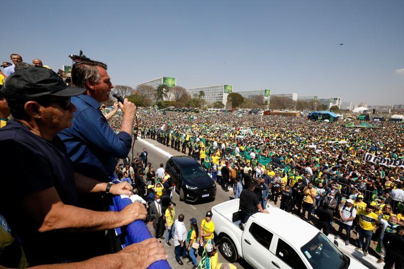 Bolsonaro retrocede y busca calmar el clima golpista | Brasil