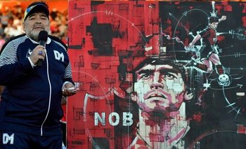 Así es la camiseta homenaje a Diego Maradona que estrenó Newell's | Fútbol