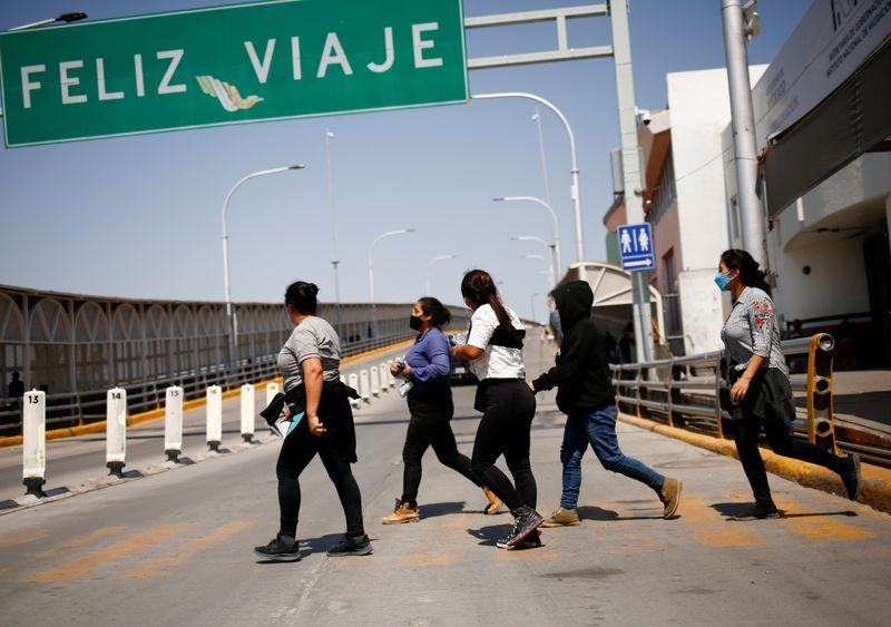 EEUU frena expulsiones de migrantes ordenada por Trump   Inmigración